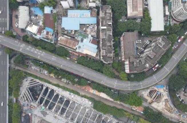 广州一高架桥发生沉降